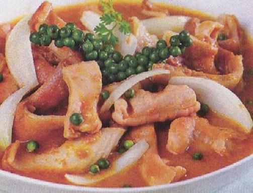 Thịt cá sấu nấu cà ri