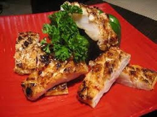 Thịt cá sấu nướng
